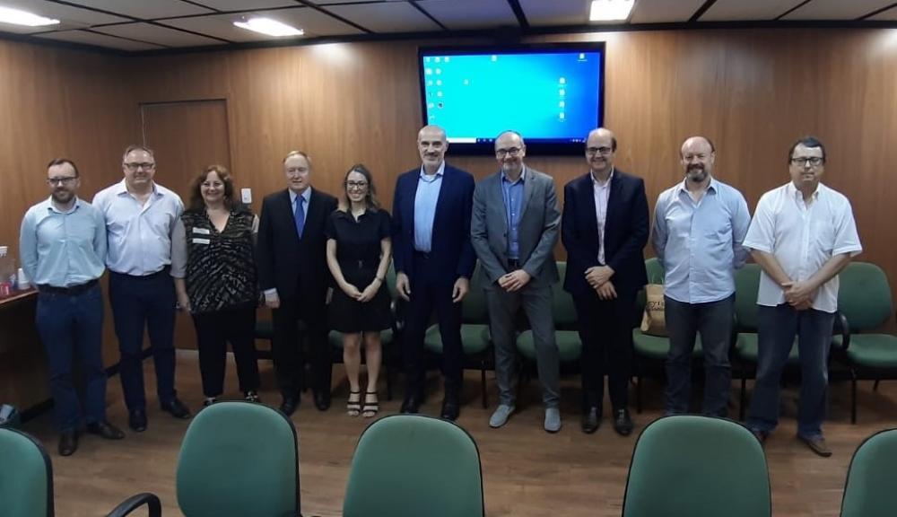 Ibraoliva participa de reunião visando a troca de experiências e tecnologias com Cluster italiano