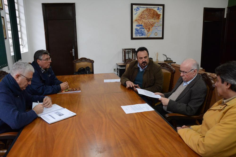 DIRETORES DO IBRAOLIVA SE REUNEM COM SECRETÁRIO DA AGRICULTURA
