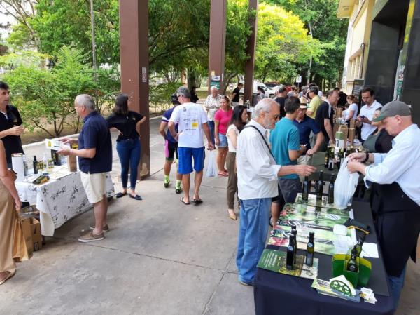 Feira do Azeite volta a ser realizada neste sábado em Porto Alegre